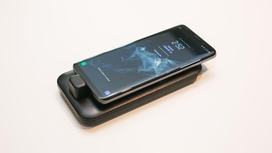 Trên tay Samsung DeX Pad mới: Thiết kế mới, thông minh và tiện lợi hơn!