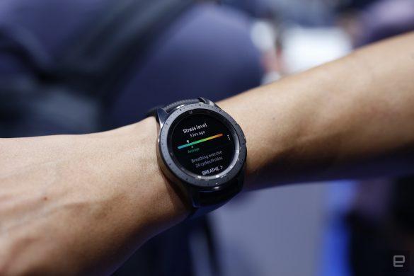 Trên tay Galaxy Watch: tên mới, 2 kích thước, nhiều tuỳ chọn màu, tính năng nổi bật