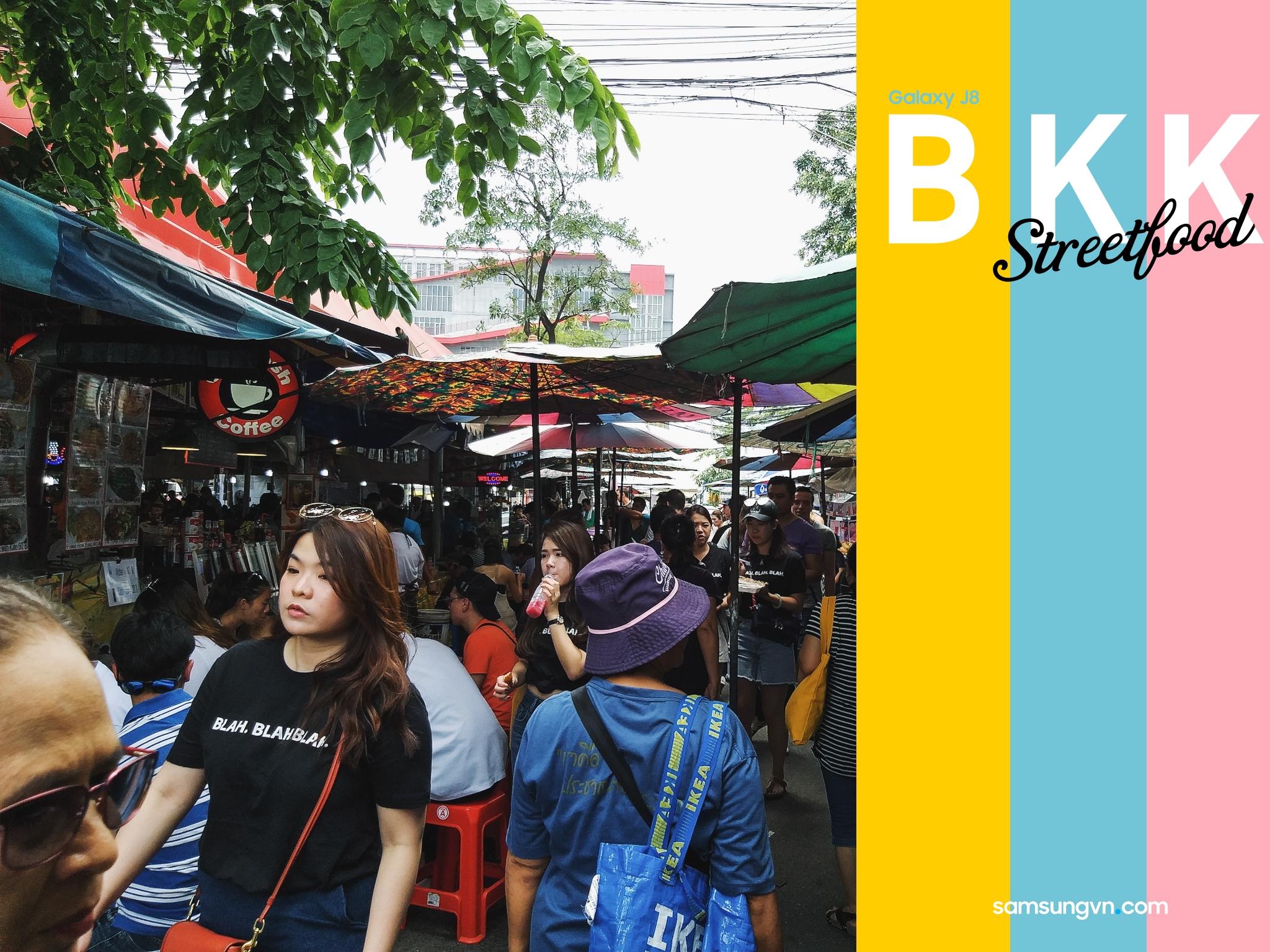 """Món ăn Đường phố Bangkok """"nhìn là thèm"""" qua lăng kính của Galaxy J8"""