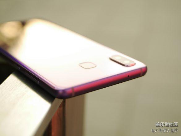 Trên tay Galaxy A9 Star (A8 Star) màu Tím: hiệu ứng chuyển màu rất đẹp