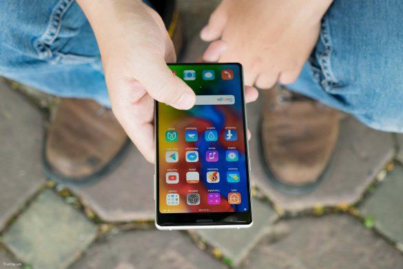 """Bphone 3 và Bphone 3 Pro ra mắt với """"màn hình tràn đáy"""", giá từ 7 triệu đồng"""