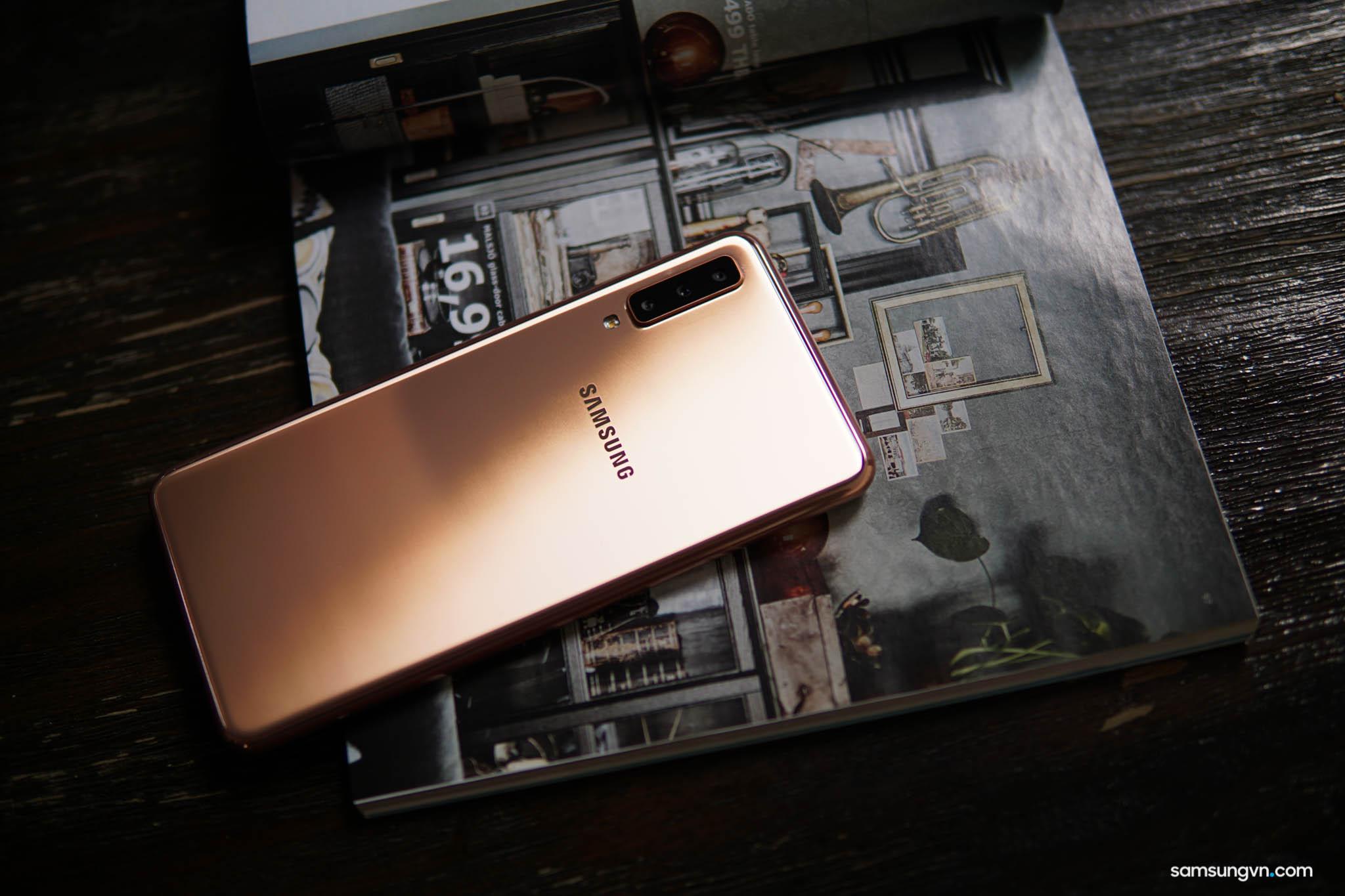 """Samsung Galaxy A7 """"hiện thân"""" của Galaxy A9 sở hữu các tính năng cao cấp trong tầm giá 7 triệu"""