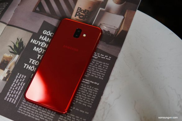 Mở hộp Galaxy J6+ Đỏ Ruby: thiết kế ánh gương đẹp mắt, màu đỏ ấn tượng