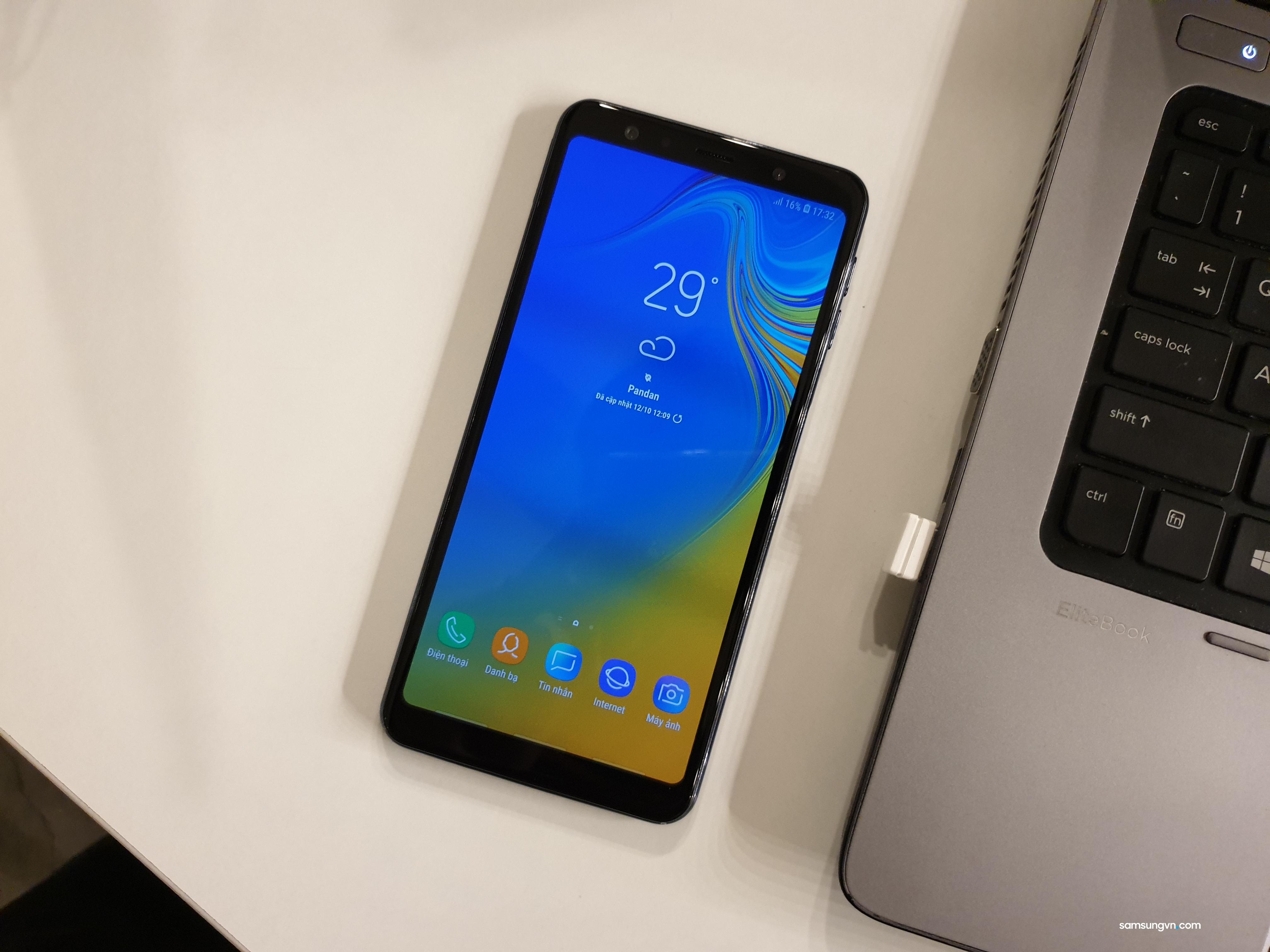 Test nhanh thử tính năng Vuốt cử chỉ trên Samsung Galaxy A7 (2018)