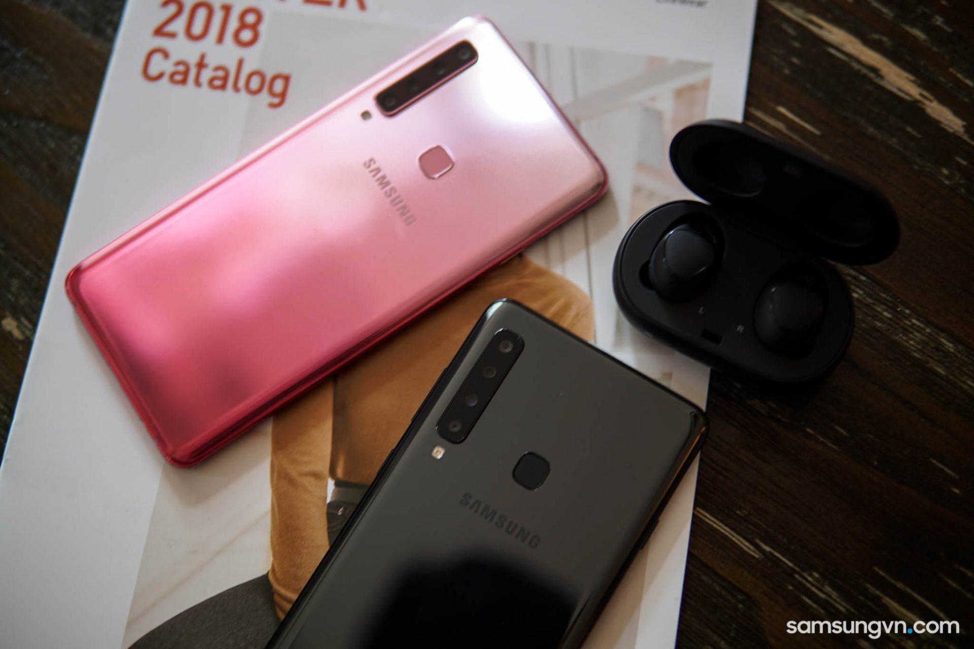 """Trên tay """"quái vật 4 camera sau"""" Galaxy A9 phiên bản Black – Pink tại Việt Nam"""