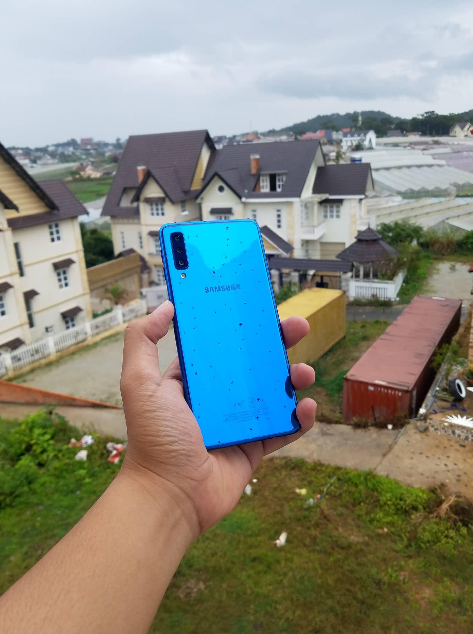 """Hướng dẫn """"Chụp cả thế giới"""" với camera góc siêu rộng trên Galaxy A7"""