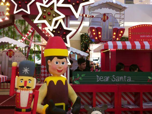 Sài Gòn chuẩn bị Giáng sinh như thế nào qua những bức ảnh chụp nhanh cùng Galaxy A9