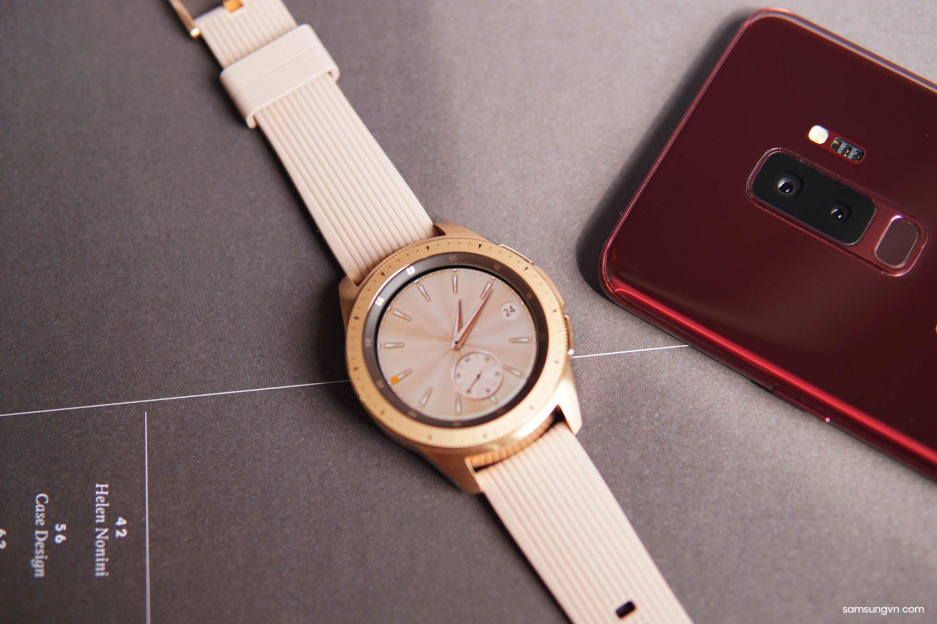 Mở hộp Galaxy Watch chính hãng Việt Nam: tuyệt tác kết hợp của công nghệ và thời trang
