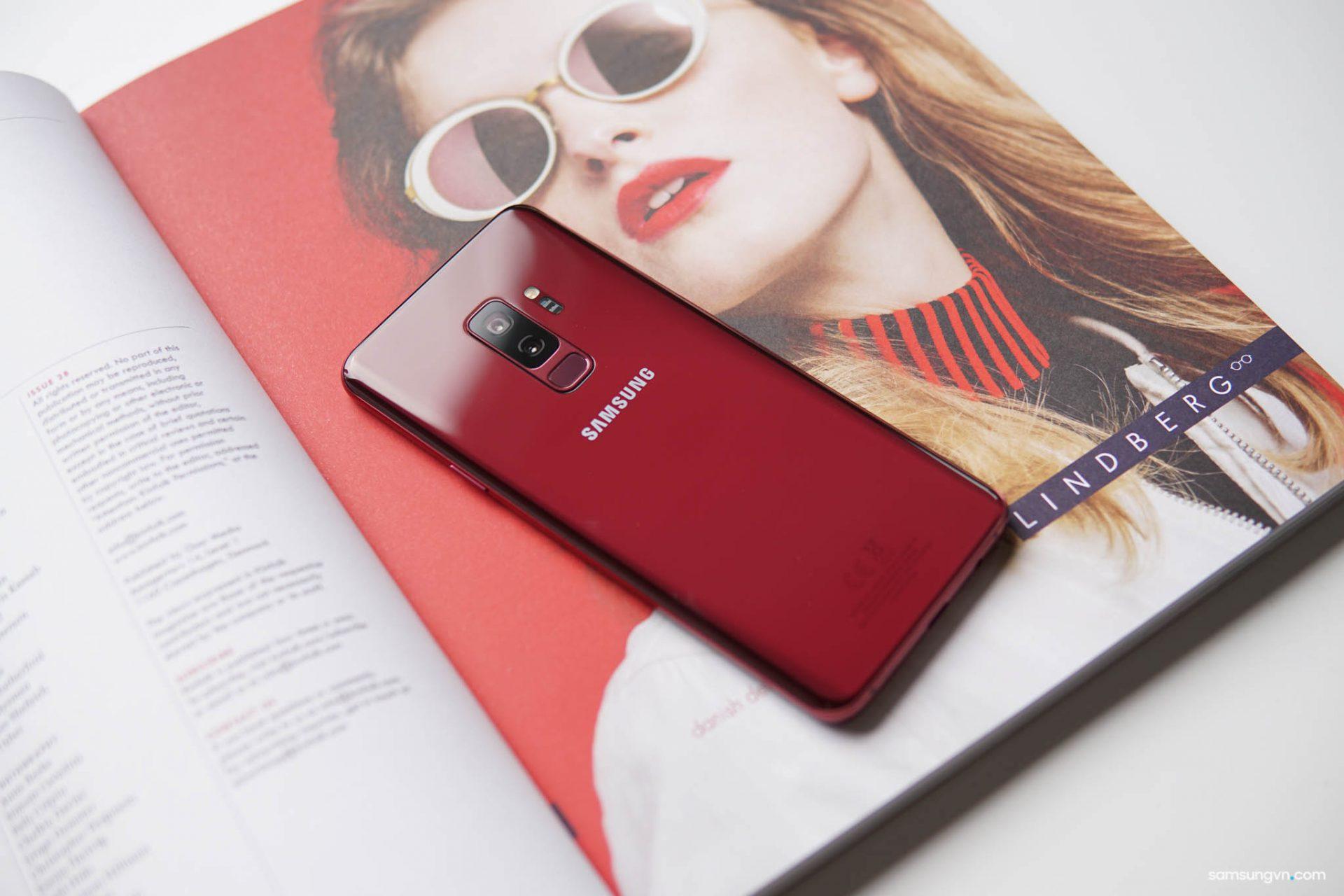 Mở hộp Galaxy S9+ Vang đỏ chính hãng Việt Nam: phiên bản đặc biệt cho mùa Lễ hội