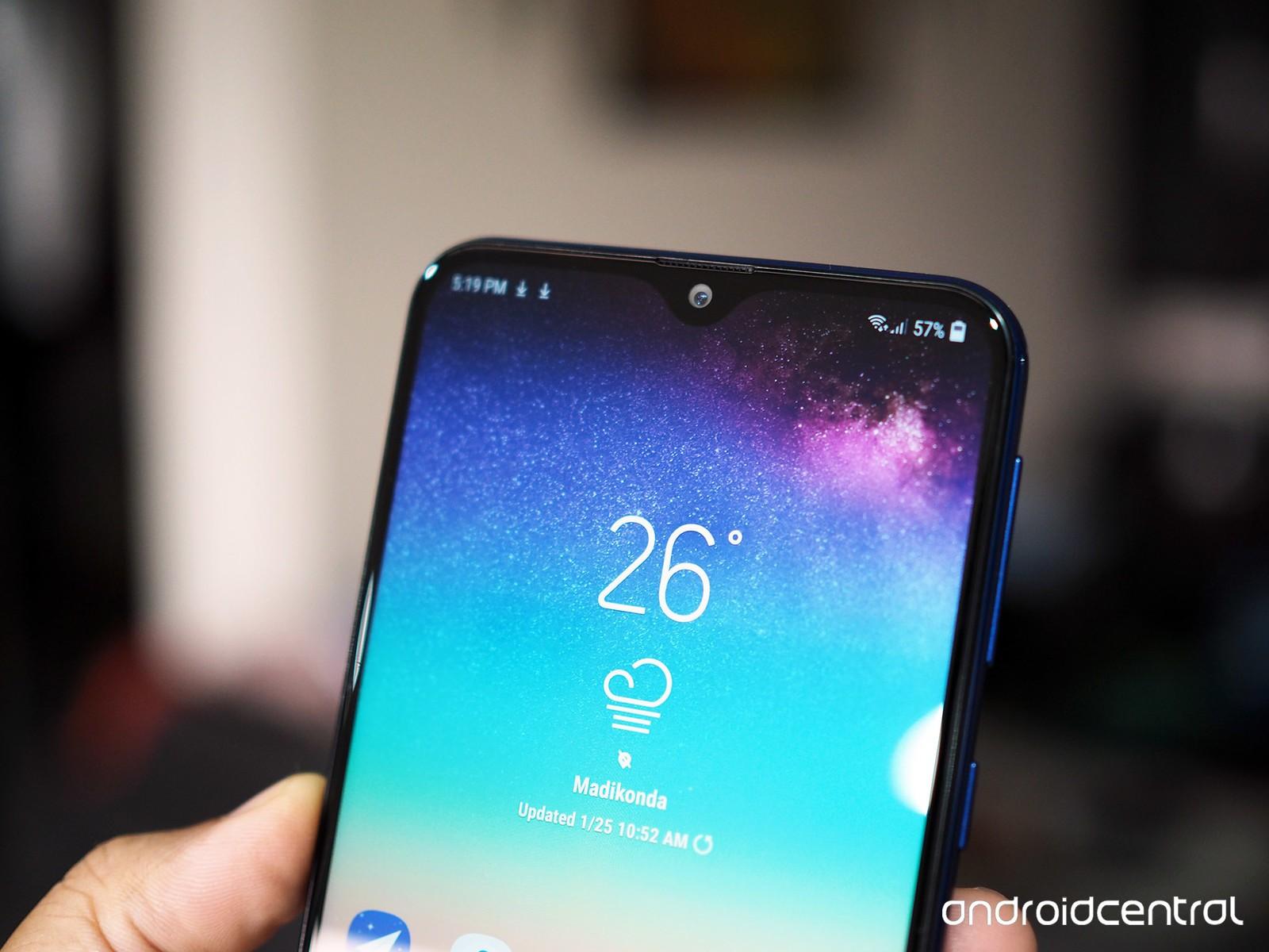 Rò rỉ Galaxy A50: màn hình giọt nước, 3 camera sau, vân tay trong màn hình?