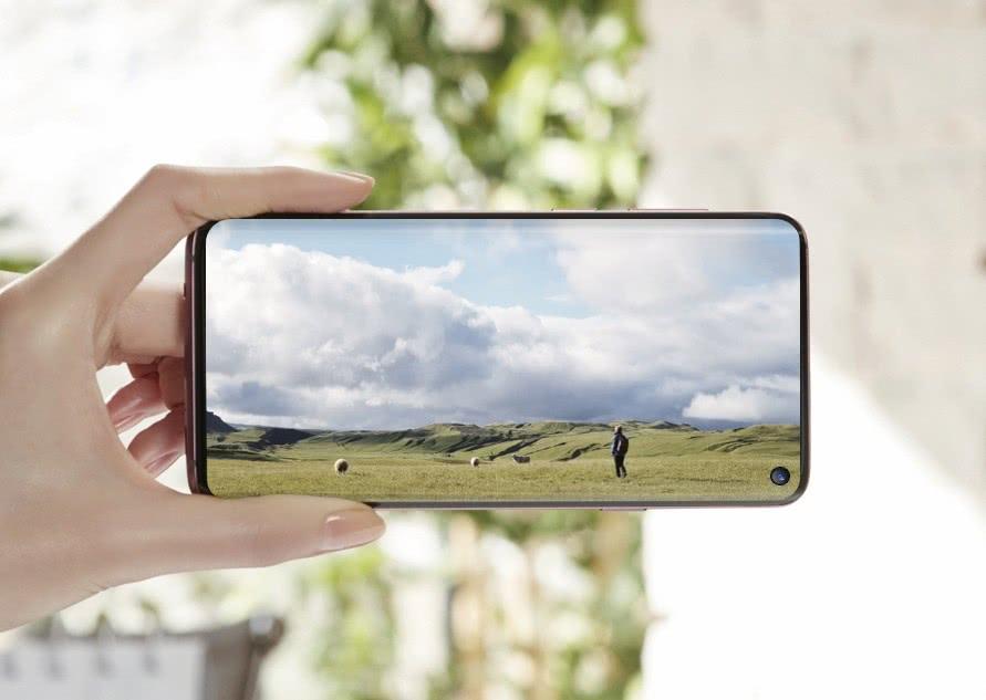 Camera trước của Galaxy S10 sẽ có OIS và khả năng quay video 4K; camera sau có thể quay phim như GoPro?