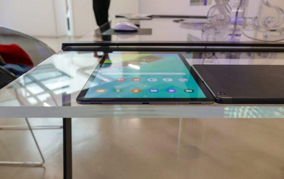 Trên tay Samsung Galaxy Tab S5e: mỏng chỉ 5.5mm, màn Super AMOLED, Snapdragon 670, 4 loa AKG