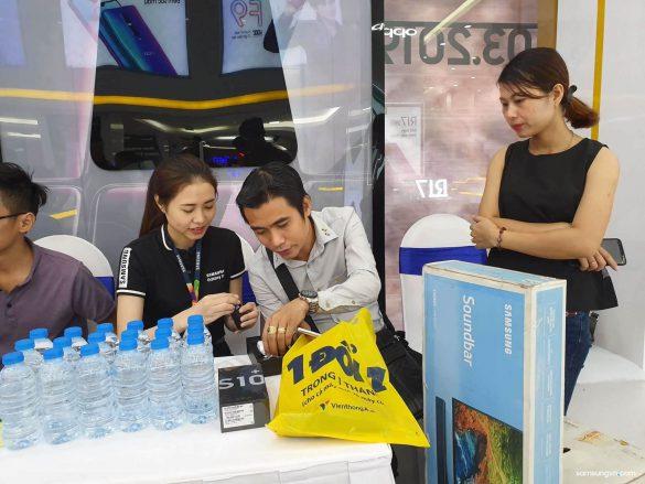Galaxy S10 | S10+ mở bán chính thức tại Việt Nam, trở thành chiếc điện thoại bán chạy nhất trong lịch sử dòng Galaxy S tại Việt Nam