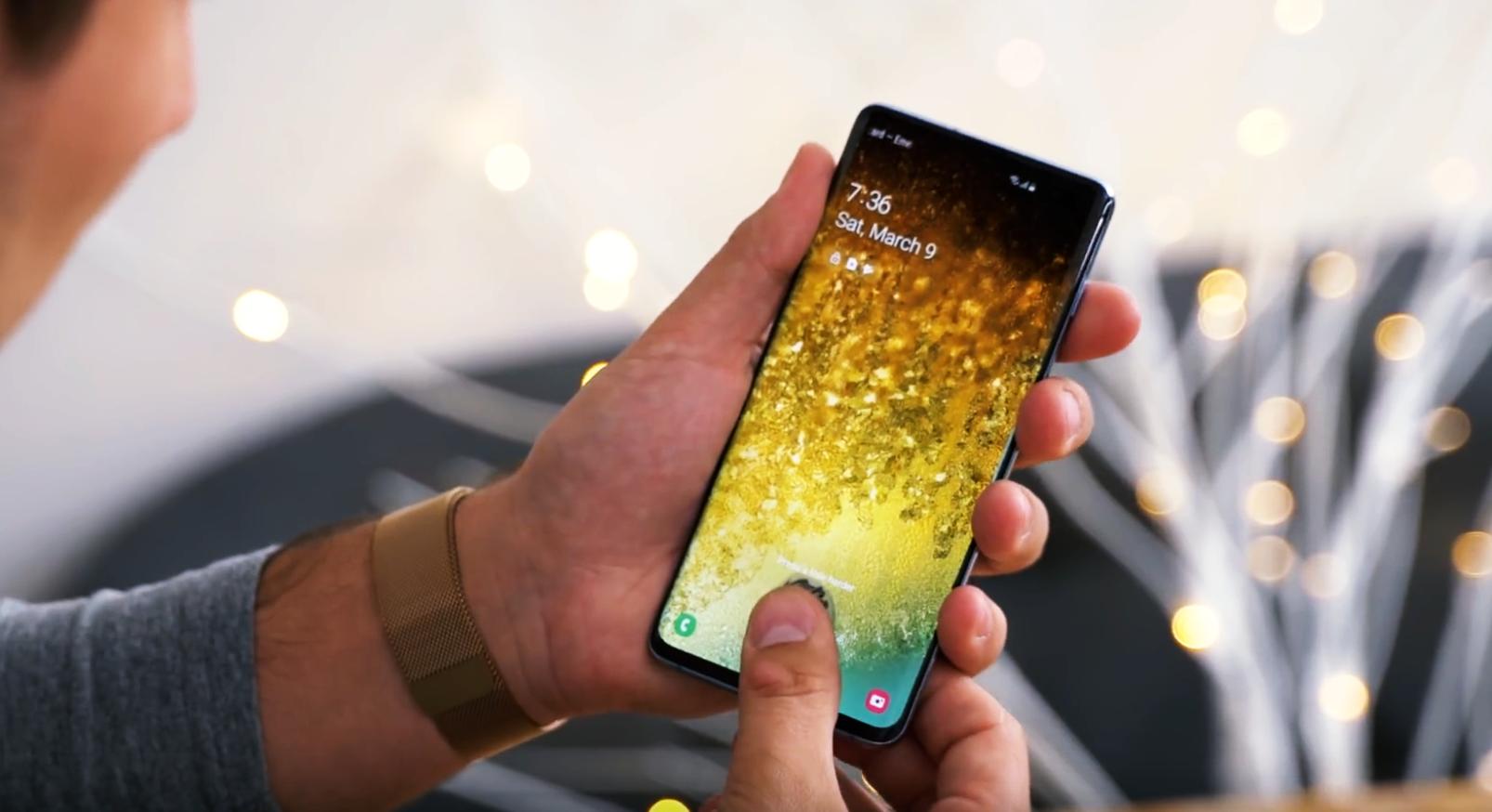 Thử đánh lừa vân tay siêu âm trong màn hình của Galaxy S10 và Cái kết!