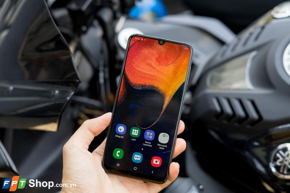 Đặt trước Galaxy A50 tại FPT Shop nhận ngay bộ quà công nghệ thời thượng, có cơ hội trúng thêm Galaxy S10