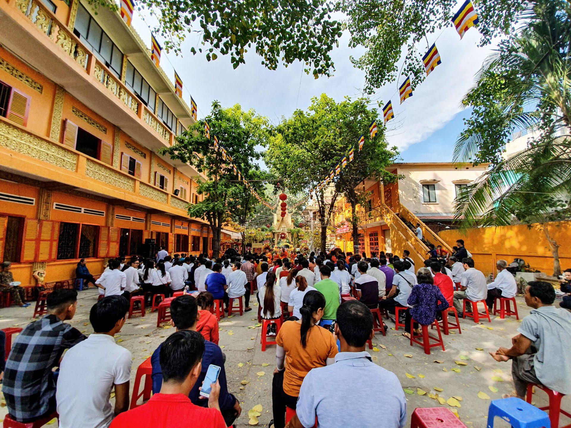 Trải nghiệm Tết Chol Chnam Thmay rộn ràng, nhiều sắc màu